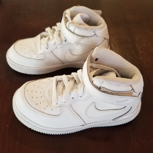 more photos d1207 74387 Nike Air Force 1 Mid Toddler Kids  Basketball Shoe.  M 5aa94bb92ae12f08bbc5d42d
